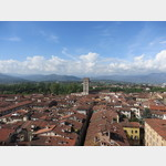 Blick auf Lucca vom Torre delle Ore