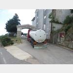 Grappa Tankzug vor der Cantina in Jerzu