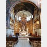 Altarraum in der Stiftskirche  in I`Isle sur la Sourge
