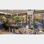 Im ältesten Kaufhaus von L´Isle sur la Sourge
