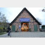 Eingang zum Freilichtmuseum am Kiekeberg in den Schwarzen Bergen bei Hamburg
