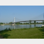 Fuß und Radbrücke nach Straßburg.